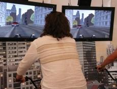Fahrradfahren im L&M-Zelt