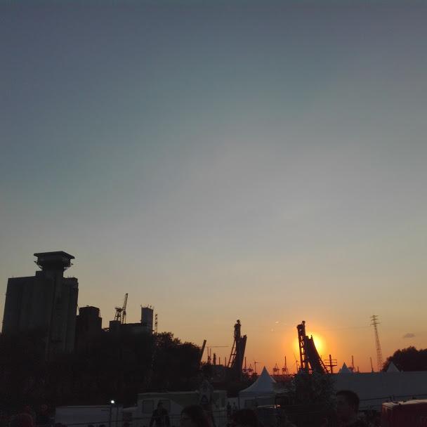 Sonnenuntergang am Hafen beim MS Dockville 2015